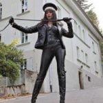 Femme dominante cherche homme à mater au Havre